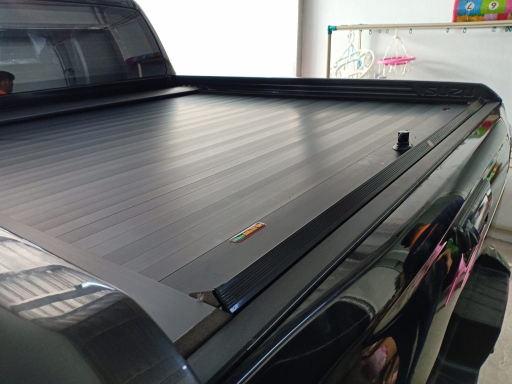ฝาปิดกระบะรถ RollerUp Isuzu V Cross 2020